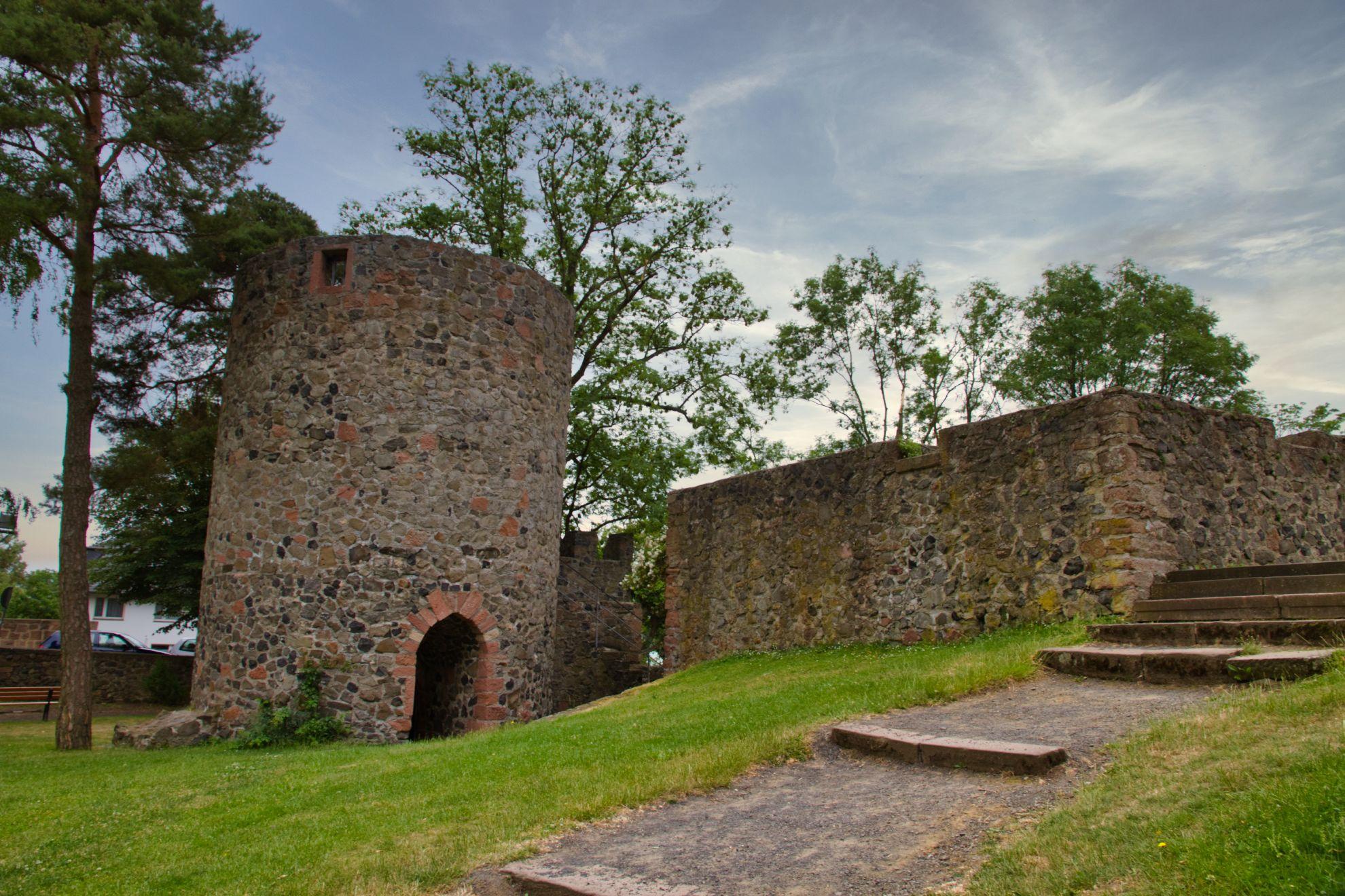 Die Amöneburg, lange Eigentum des Erzbistums Mainz